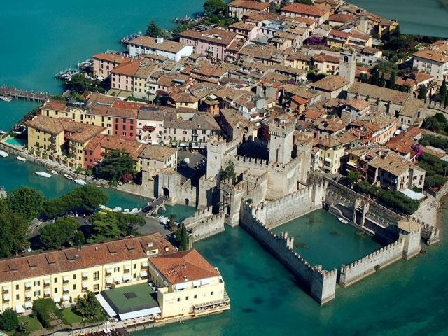 Sirmione - Apartments in a villa – Overlooking the Lake - Dimore Immobiliare